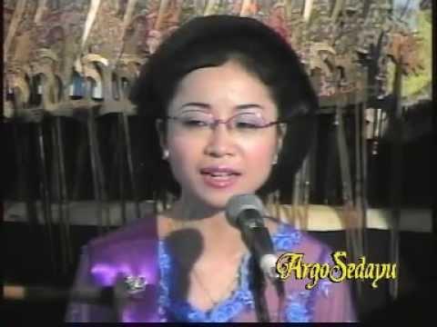 Sinden Jepang Hiromi Kano Japanese Singing Traditional Javanese Song