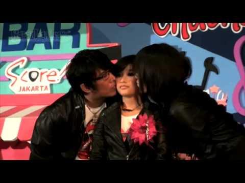 Iqbal Coboy Junior Kasih Kado Untuk Anak Parto