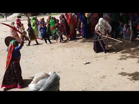 Xxx Mp4 ગુજરાતી ફની ડાન્સ જુઓ આ વિડિયો 3gp Sex