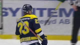 Lias Andersson spelar TV spel