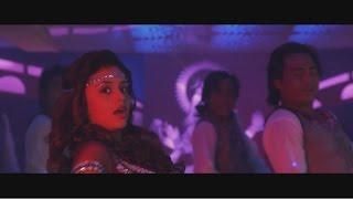 Sabaiko hosh Metaune | Hot Item Song Nepali Movie WAR | Krishna Bhatta, Neeta Dhungana