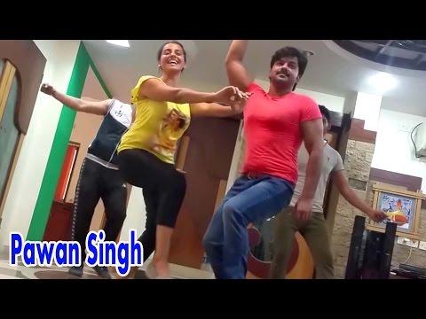 Xxx Mp4 Hot Dance दिदिया के मरद Pawan Singh Akshra Singh Superhit Song During Rehearsal 3gp Sex