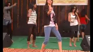 DANCE IN DOPE SHOP YO YO HONEY SINGH SONG DANCE ADITI COLLEGE ROCKS