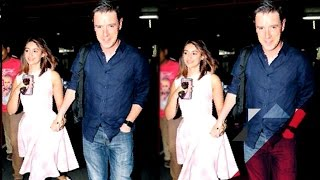 Is Ileana D'Cruz Married To Andrew Kneebone? | Bollywood News
