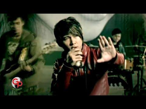 Five Minutes -  Bertahan [Official Music Video]