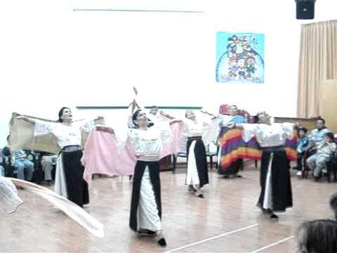 Danza Cristiana Las Mariposas en la IEVI Quito Ecuador