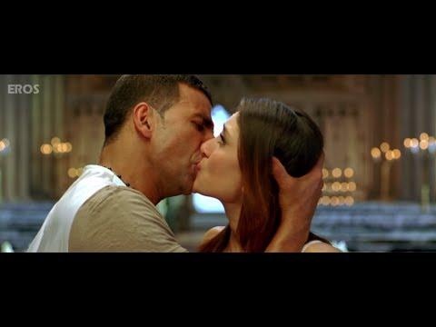 Xxx Mp4 Kareena Amp Akshay Kumar Kissing On Screen 3gp Sex