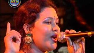Bangla Folk Song By Momotaz : Bandhilam Piriter Ghar