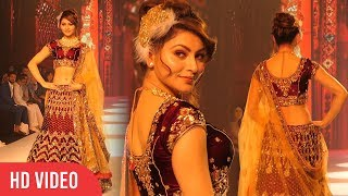 Hot Urvashi Rautela Makes Grand Entry At Bombay Times Fashion Week 2018 | ShowStopper Day 01