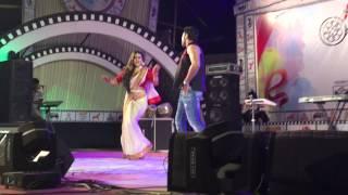Bd actress mimo dancing.,
