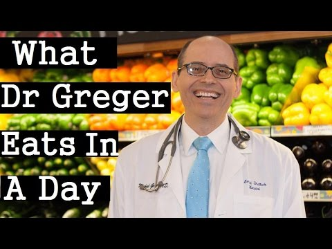 What Dr Michael Greger Eats In A Day + The Daily Dozen