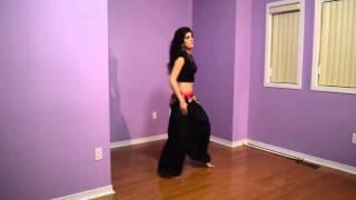 رقص  هندي  روعا وسريع😄😄😄😄😄😄
