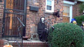 Scaring Kids on Halloween [Halloween Prank]