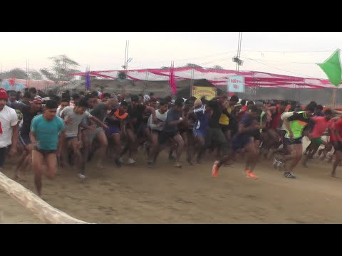 Xxx Mp4 Indian Army Physical Fitness Test In Open Rally Bharti 2019 In Hindi Live Indian Army Running Race 3gp Sex