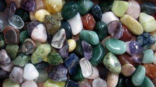 Les pierres semi-précieuses  pour nous aider