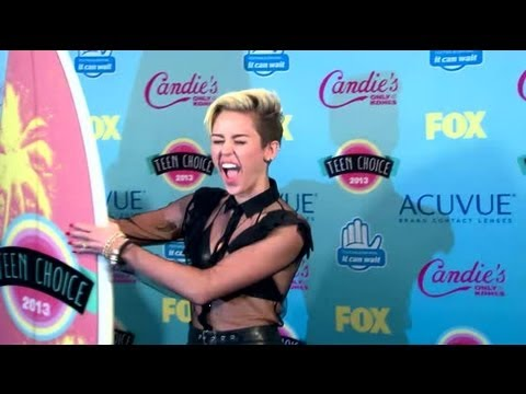 Xxx Mp4 Miley Cyrus Offered 1M To Direct Adult Video Splash News Splash News TV Splash News TV 3gp Sex