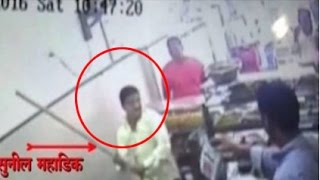 Shiv Sena's Sunil Mahadik hits shopkeeper with a stick for refusing to give 'free vada pavs'