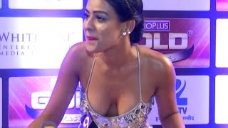ZeeTv Gold Awards 2016 - Nia Sharma looks HOT & SEXY at Gold Awards 2016 Red Carpet