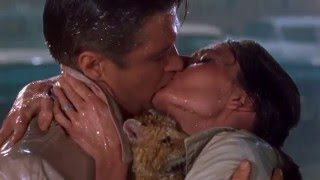 Breakfast at Tiffany's - BEST ENDING SCENE EVER (22) - Kissing in the Rain