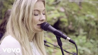 Astrid S - Does She Know
