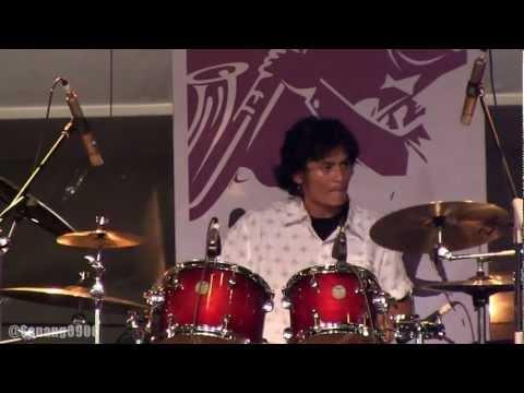Shadu Rasjidi Band - No Barier @ JJF 2013 [HD]