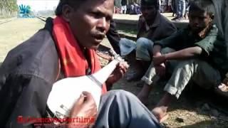 Amazing Bengali Street Singer`s Song at Kaunia Rail Station RangpuR (MindReader Films)