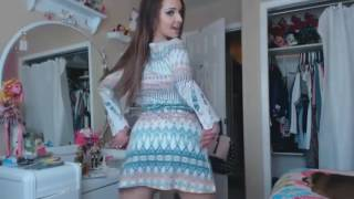 Beautiful girl booty shaking ! Oooops ♥