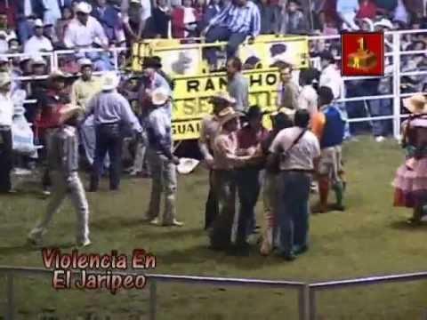 Arma Bronca el Aguilita de Zepayautla Violencia en el Jaripeo