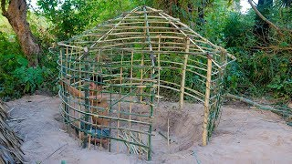 Primitive Technology: Wattle and Daub Hut | Build A Primitive Mud Hut - Part 1