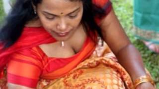 actress hot show her Cleavage Show