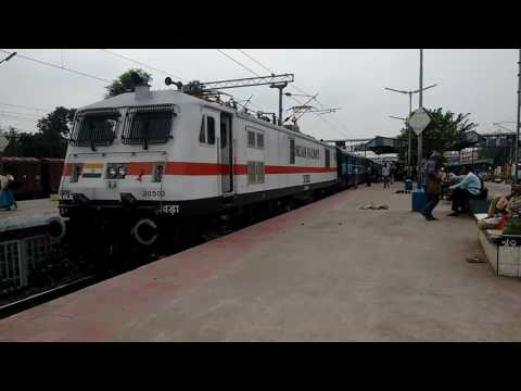 IRFCA - 30503 Howrah WAP7 lead 13117 Kolkata-Lalgola Dhano Dhanye Exp Departing from Naihati