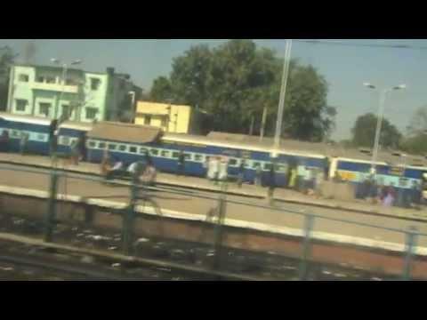 Halting at Bhusaval - Varanasi-LTT Superfast (Dec. 28, 2008)