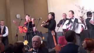 "2015 11 15 d  II vintažinės muzikos festivalis ""Rudens retro""  Atlieka folkloro ansamblis Nalšia"