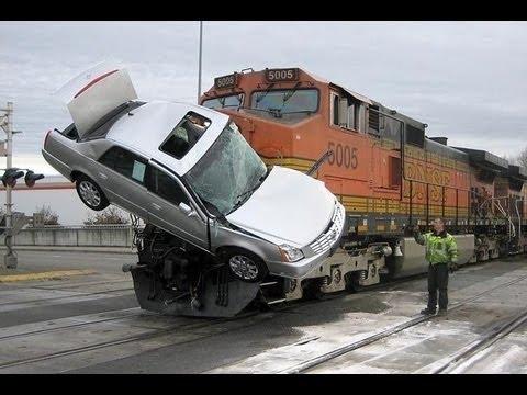 watch WORST CAR CRASHES OF 2016!!