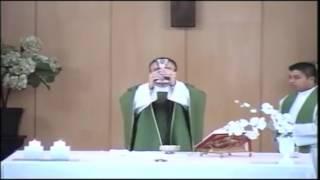 ¡VIDEO IMPACTANTE! ESTE SACERDOTE SI VIVE LA EUCARÍSTICA CON AMOR DE DIOS
