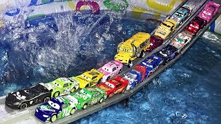 Disney Cars Lightning McQueen: Pool Fun Race DISNEY PIXAR CARS 3 | Cartoons Videos for Children