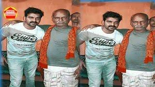 पवन सिंह ने ली अपने चाचा के साथ सेल्फी। Bhojpuri News