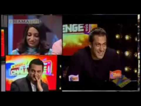 Xxx Mp4 Asma Mohammed Rafi Tum Se Dil Milaney Ki Yeh Saza Hai Video Video Clips Featured Videos Rediff Videos 3gp Sex