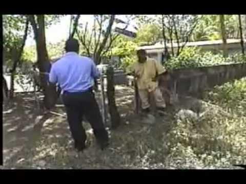 POLICÍAS AGREDIDOS CON CUCHILLO EN NICARAGUA.mpg
