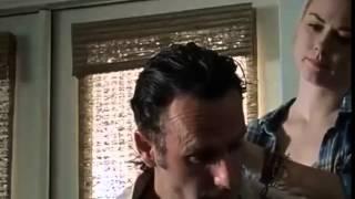 The Walking Dead 5x12 Rick Grimes Afeitado y escena del corte de pelo