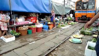 Maeklong Railway Market I on 20110611