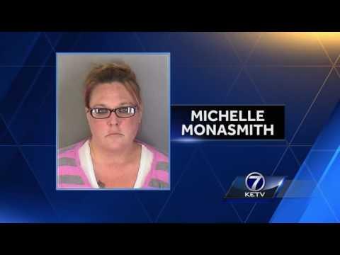 La Vista mom sent explicit photos to teen, police say