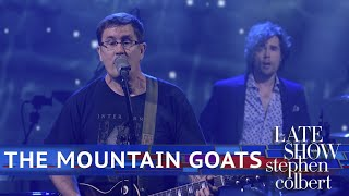 The Mountain Goats Perform 'Sicilian Crest'
