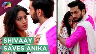 Shivaay Saves Anika | Romantic Moment | Ishqbaaz | Star Plus