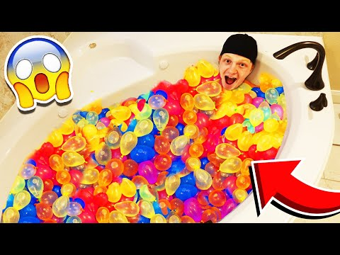 FILLING MY BATHTUB WITH 500 WATER BALLOONS