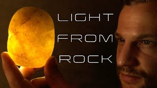 Man Uses Rock To Create Light! | Triboluminescence |