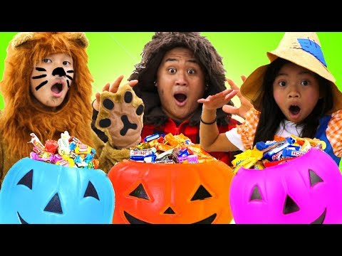 Emma Pretend Play Halloween Dress Up & Trick or Treat for Kids Candy