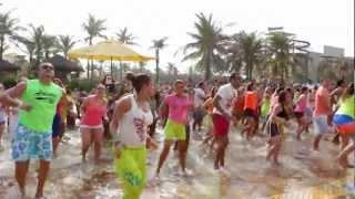Flash Mob de Zumba agita o Beach Park