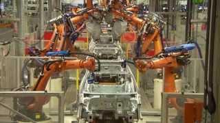 Volkswagen Golf Variant - Production Body Shop | AutoMotoTV