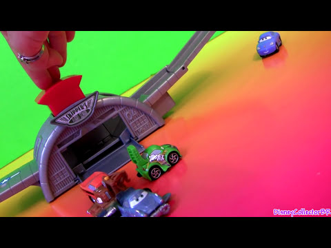 Cars 2 Micro Drifters Take Off Launcher Playset Using Disney Pixar Toys Review by Disneycollector